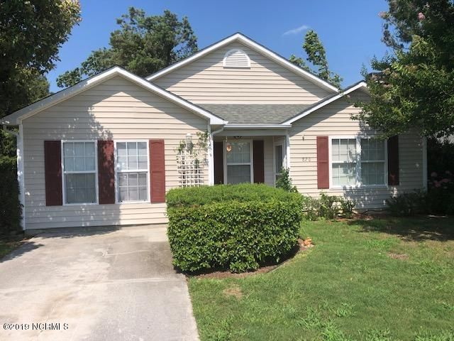 4 bedroom, 2 bath home conveniently located to Historic Downtown Swansboro, close to Schools, Restaurants and area beaches, bases, and more. Screened patio on side of home, partially fenced yard.  Recently remodeled. Hone is currently Rented call office for details.