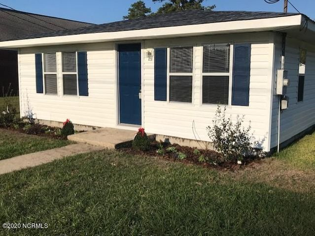 Take a look at this recently remodeled 3 bedroom home with architectural shingled roof, new flooring throughout, freshly painted interior and brand new deck perfect for entertaining! Located in the heart of Jacksonville close to all bases, shopping and schools.  Qualified buyer can move in today!!