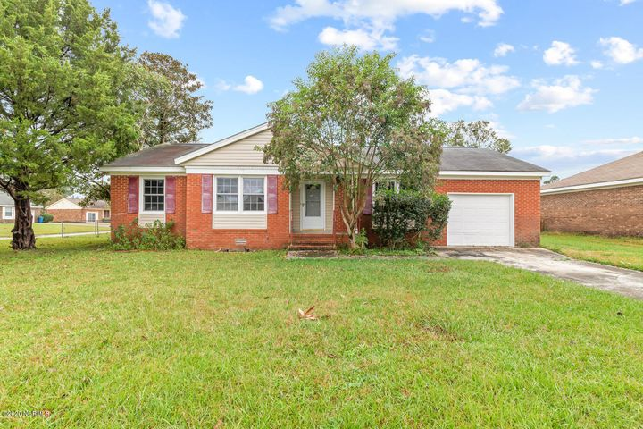 Seller now offering $7500 use as you choose! Great three bedroom two bath home located in the heart of Jacksonville. Just a short drive away from the main gate of Camp Lejeune, shopping, and area beaches. Enjoy your back patio with a fenced in yard, perfect for pets! Call to schedule your showing today!