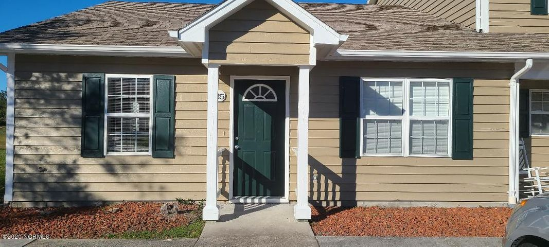 2 BEDROOM 2.5 BATH TOWN HOME. 5 MINUTES TO EMERALD ISLE, SHOPPING AND ONE OF THE BEST SCHOOL DISTRICTS. MOVE IN READY! WATER AND POOL INCLUDED IN HOA FEES.