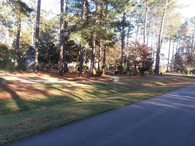 1143  Tall Timbers Lane W