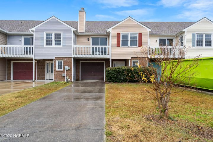 2 bedroom townhouse in Bayshore has reverse floorplan and attached garage. Blank canvas for your vision. New roof! Assigned Boat slip adds great value.  This property is eligible under the Freddie Mac First Look Initiative through 1/3/2021. Owner Occupants only can submit offers during this time.