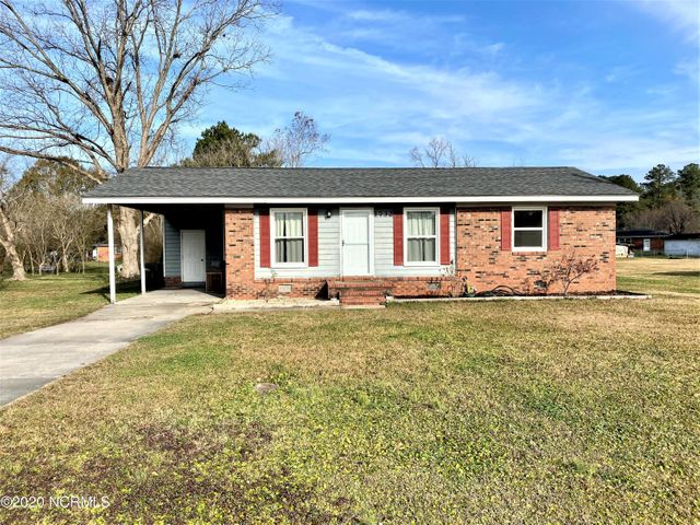 This 3 bedroom 1 1/2 bath Southwest brick home is conveniently located just 10 minutes away from MCAS New River and only a short drive to the beach! With a new roof in 2018 and new double paned windows throughout with a transferrable lifetime warranty, this home is ready for a new family to enjoy! There is almost a half acre of land which is perfect for entertaining! Don't miss out on country living with no city taxes!
