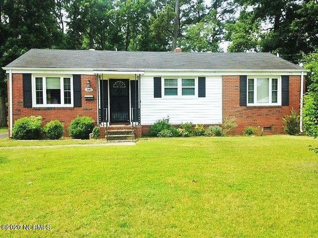 Beautiful, newly-remodeled home located in the heart of Jacksonville, NC! 30 minutes from the coast for fun beach days. 20 minutes from Camp Lejeune Marine Corps base and 10 minutes from major shopping centers. Nestled in the quiet and friendly Northwoods neighborhood with no HOA fees! This home features refinished original hardwood floors, updated kitchen counter tops and sink, kitchen LVP flooring, and bathroom LVP flooring. Perfect ready to move-in house waiting for you to make it home!
