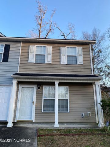 Come see this 2 Bedroom 2.5 townhouse in nestled in the back of the Neighborhood of Acorn Forest.  LVP flooring downstairs in kitchen area.  Close to restaurants, shopping, and easy commute to Camp Lejeune.  Call for your showing today.