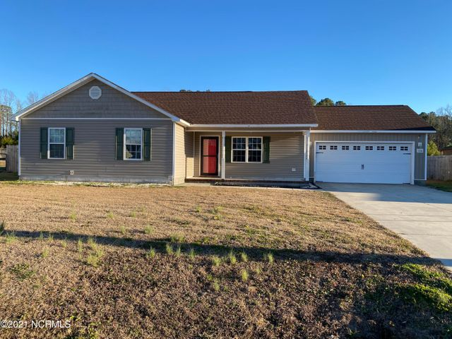 Welcome to Woodbury Farms. Come see this beautiful 3 Bedroom 2 Bath home nestled in the outskirts of Jacksonville. Sitting on over 1/2 Acre, be ready to enjoy those cool spring nights in the large back yard. Boasting a new roof installed in 2018, New AC unit in 2018, New flooring in the bedrooms in 2018. This house is a must see. Schedule your appointment now.