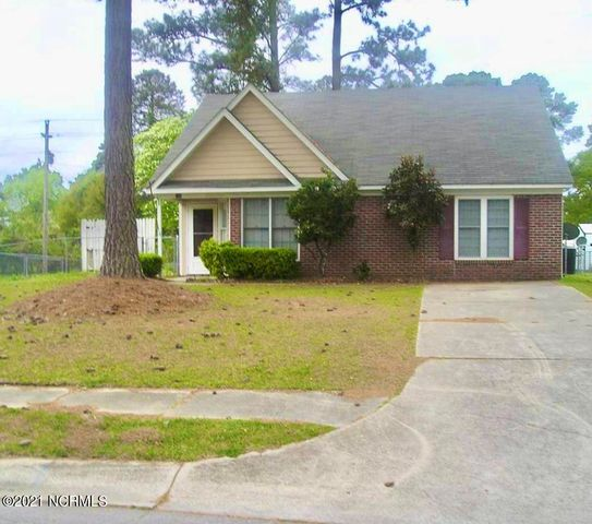 **NEW LISTING FEBRUARY 08, 2021**Welcome Home to Brynn Marr! Located in the heart of Jacksonville this split floor plan home offers 3-Bedrooms, 2-Bathrooms with vaulted ceilings. The Living Room has an wood-burning fireplace so entertaining friends and family will be a breeze. This home is a minutes drive to MCB Camp LeJeune and MCAS New River. Close to Northeast Creek Park that offers a large play area, splash pad, ball fields, a Disc (Frisbee) Golf Course and a boat launch. Request your showing today to preview this home before this one is OFF THE MARKET like all the other great one's in Onslow Country. This home won't last long at this price!