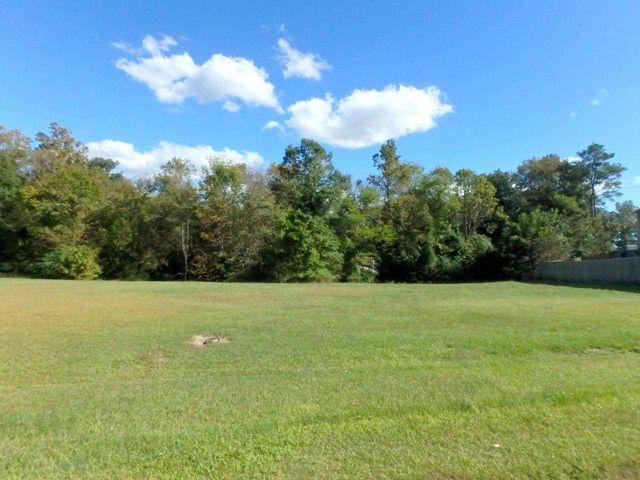 Beautiful lot located across the street from the New River, in a cul-de-sac. Cleared and ready to build. Perks for a 3 bedroom septic. Water and electric available but fees not paid. Start planning the building of your dream river front home today! Additional surrounding lots available for purchase.