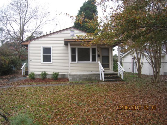 CALLING ALL INVESTORS: Cute cottage style home located in the heart of Jacksonville featuring 3 bedrooms, 1 bathroom, Package Heat PUMP installed 2016, gas water heater, newer appliances and READY for you! Start getting paid rent right after closing, tenants secured until May 2021 and they would like to stay.