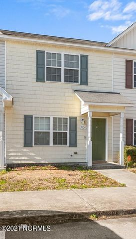 This adorable two bedroom, two and a half bath townhome is located at The Gables - near lots of shopping and restaurants in Jacksonville!  Combined kitchen and dining with access to fenced in back yard.  This townhome will not last long!