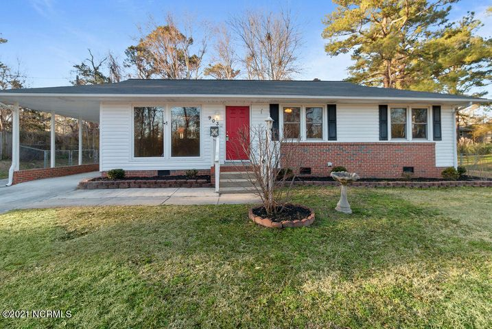 3 Bedroom 1 Bathroom, MOVE IN READY home near the heart of Jacksonville. There is easy to maintain wood flooring throughout the home. Out back there is a beautiful wooden deck and chain link fence. The home is ready to be viewed today!