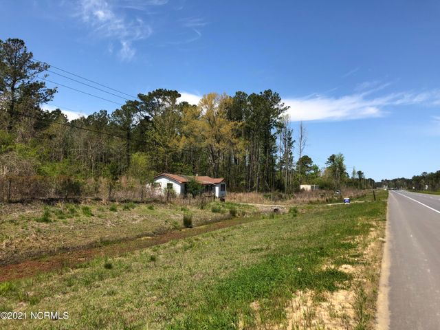 Offering 5.8 +- acres fronting Hwy 17 near Maysville.  Five parcels make up this offering with 800+ ft of road frontage.  Great location for commercial, multifamily, residential or recreational use.  Call for more information today!