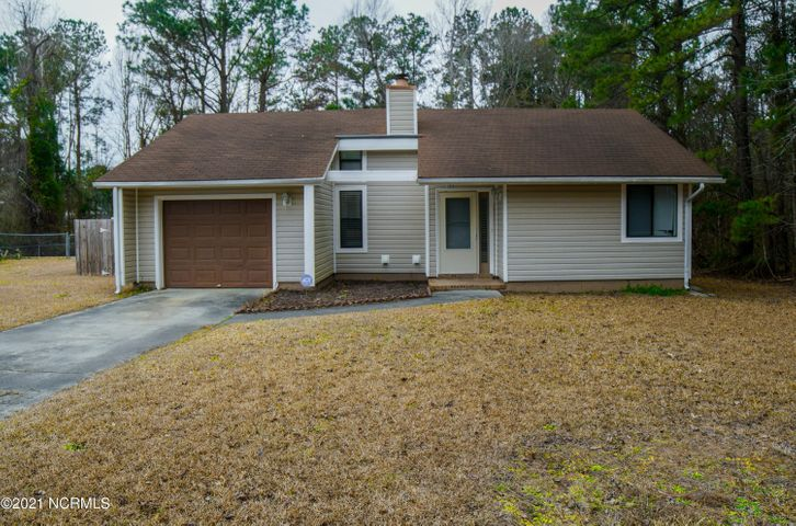 Welcome to Branchwood Subdivision! This home is must see! Here you will find a charming 3 bedroom, 2 bathroom home that could have everything you are looking for...including a little more privacy being on a wooded end lot. This adorable home has the ever popular open concept living space with tall, vaulted ceilings and a nice fireplace for added detail! The kitchen has stainless steel appliances, porcelain tile flooring, soft-close white cabinets and plenty of counter space. This home has a split floor plan for added privacy with the master on one side of the home, and the other rooms on the opposite side. The master features plenty of space, a walk-in closet and best of all, private access to the back deck! The backyard has a newer privacy fence, a nice, open back deck and plenty of yard space to entertain family and friends.  This home will not last long! Call today to set up your showing!
