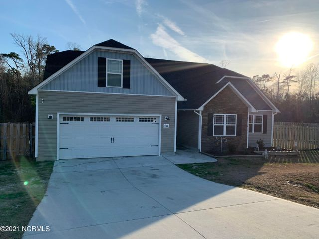 Welcome Home to 502 Ellie Court. This home features 3 bedrooms and 2 bathrooms, nestled quietly outside the city limits in Rockford Forest. This home features an open floor plan which is perfect for entertaining. Call for a showing today!