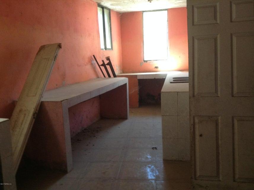 11 RUE LAMBERT, BON REPOS, CROIX-DES-BOUQUETS, N/A 00000, 6 Bedrooms Bedrooms, ,3 BathroomsBathrooms,Residential - single family,For sale,RUE LAMBERT, BON REPOS,869994