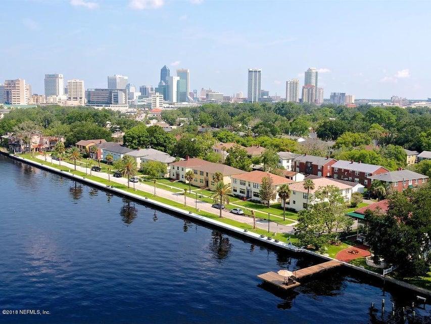 1804 River Rd Jacksonville, FL 32207