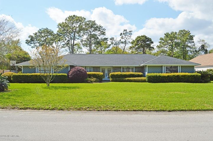 the-woods-real-estate |  2276 The Woods DR East