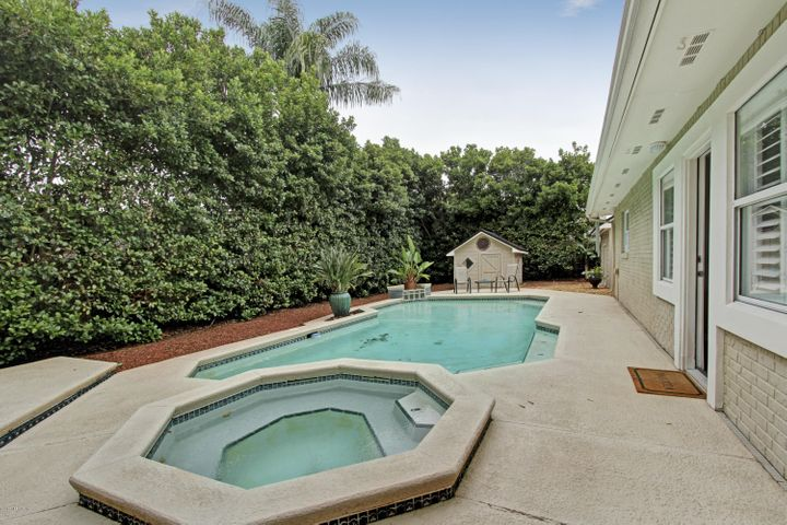 dolphin-cove-real-estate |  13 TARPON RD East