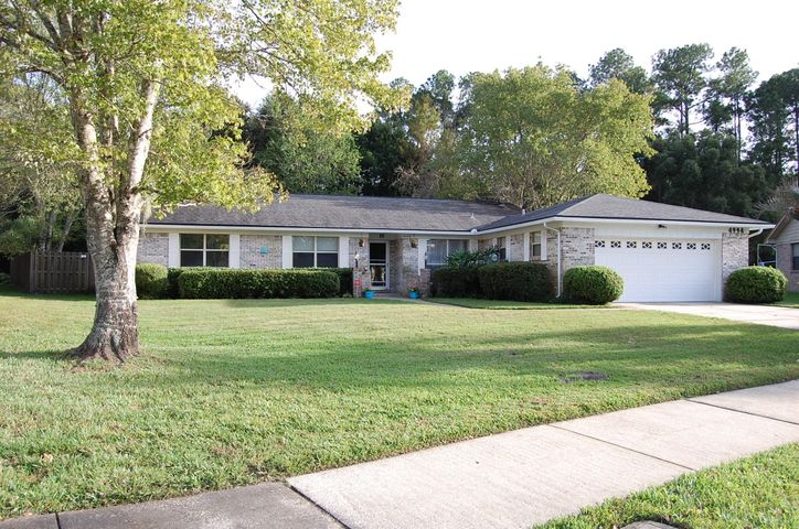brierwood-real-estate |  4994 RUNNYMEADE RD South