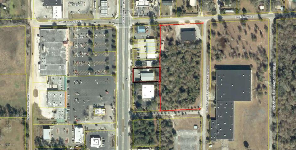 1461 6th St and 3- Barber Rd Buildings. Total of 10,644 SQFT. Approx. 4 Acres