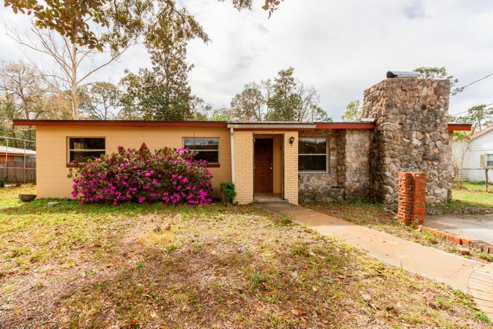 e-of-ss-blvd-real-estate |  10614 CRAIG DR