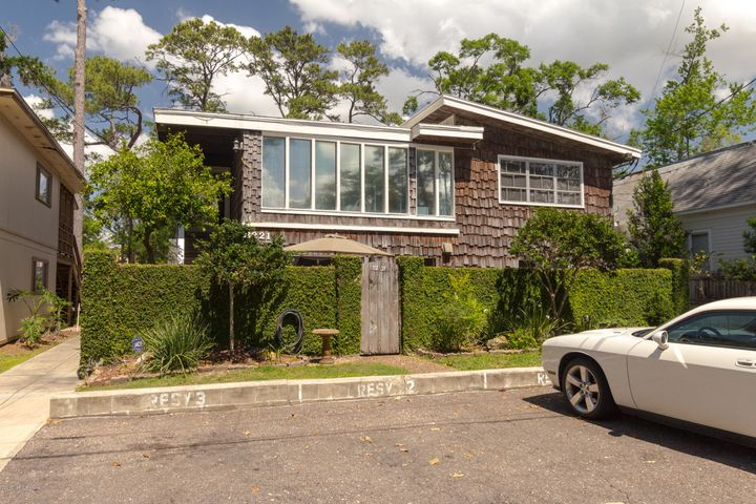 appartment |  3221 HERSCHEL ST