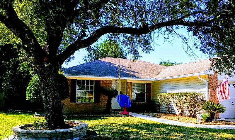 OPEN HOUSE FRIDAY 6/30 @ 2-5 & SATURDAY 7/1 @ 12-3...GREAT STARTER HOME OR RETIREE PARADISE! NEIGHBORS WILL LOVE YOU!