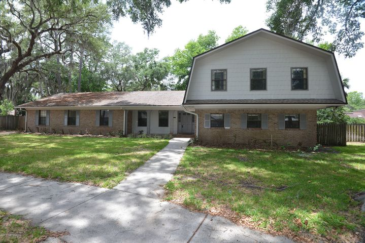 charter-point-real-estate    5447 BRIGHTWATER LN