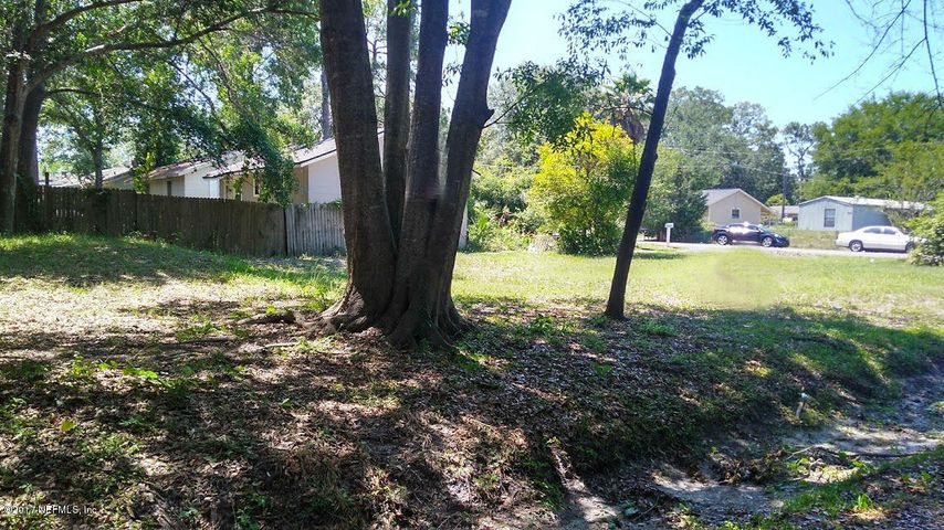 vacant-land |  8102 BUTTERCUP ST