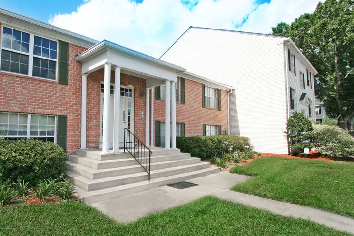 golfview-condominium |  4329 PLAZA GATE LN South 202
