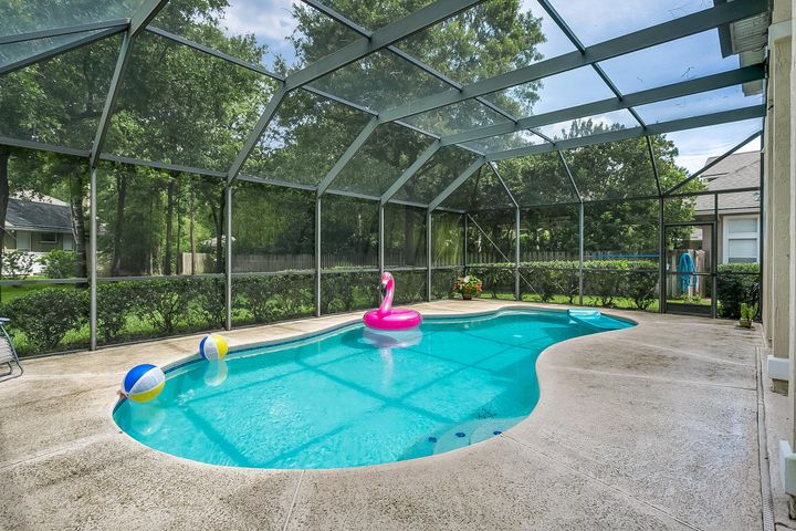 residential |  1200 CRABAPPLE CT