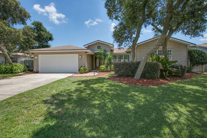 dolphin-cove-real-estate |  6 LADYFISH ST