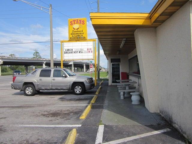 7146 BEACH BLVD, JACKSONVILLE, FL 32216