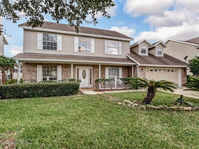This wonderful MOVE IN READY home is waiting for you!