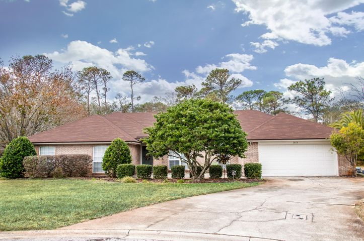 Extended driveway, large courtyard entry, ALL BRICK on cul de sac!