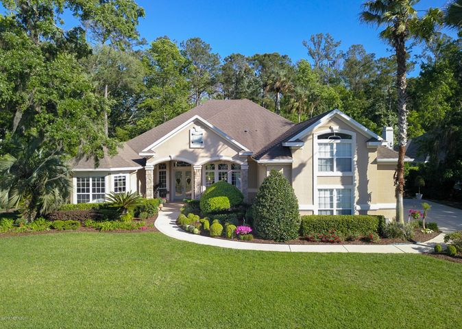 Beautiful Home in Plantation Oaks