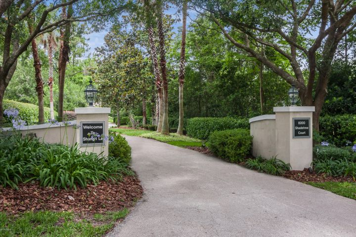 8200 SHADE TREE CT, JACKSONVILLE, FL 32256