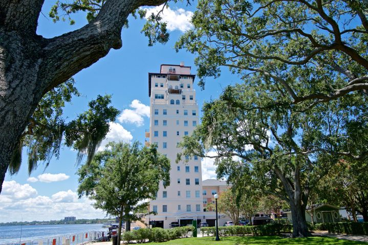 The Park Lane is not only the oldest High Rise in Jacksonville, it's the oldest High Rise in the state of Florida!