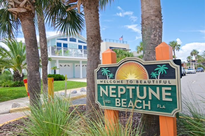 110-112 SEAGATE AVE, NEPTUNE BEACH, FL 32266