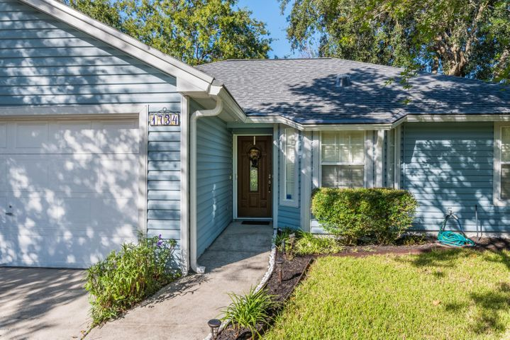 1734 CHANDELIER CIR E, JACKSONVILLE, FL 32225