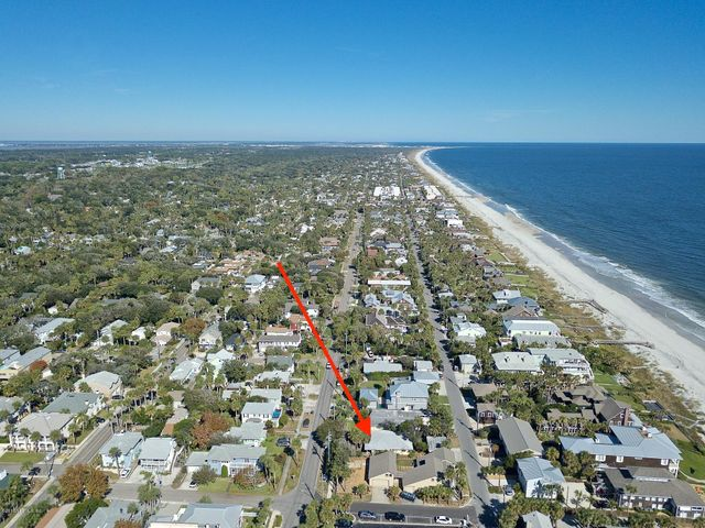 128 BEACH AVE, ATLANTIC BEACH, FL 32233