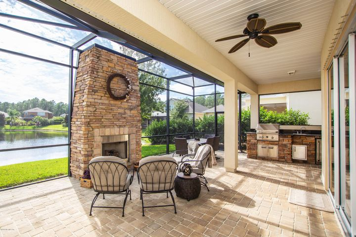 FALL in love this season with spacious outdoor entertaining