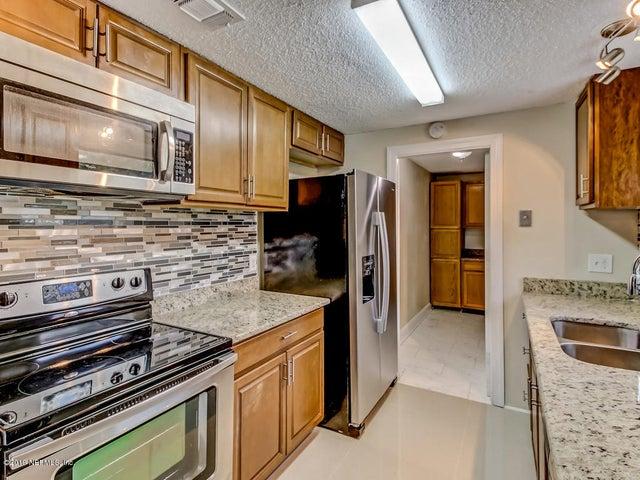 2806 CANYON CT, ORANGE PARK, FL 32065