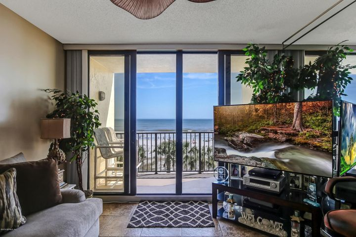 Wow! Ocean breezes and views will make you never want to leave your condo!