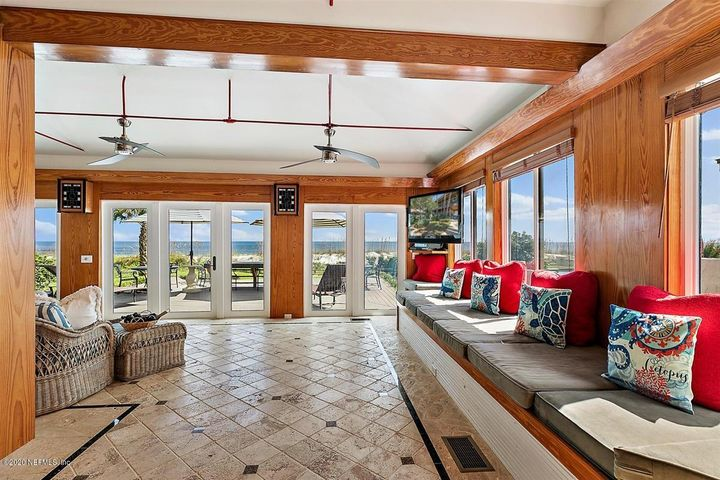541 BEACH AVE, ATLANTIC BEACH, FL 32233