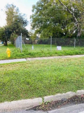 1811 VOORHIES RD, JACKSONVILLE, FL 32209