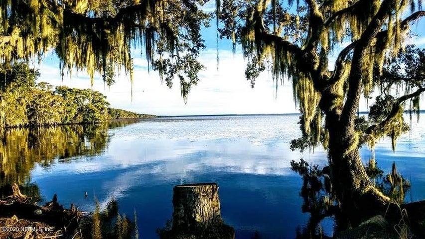 723 HARRIS FISH CAMP RD, CRESCENT CITY, FL 32112
