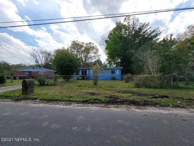 8912 CASTLE BLVD, JACKSONVILLE, FL 32208