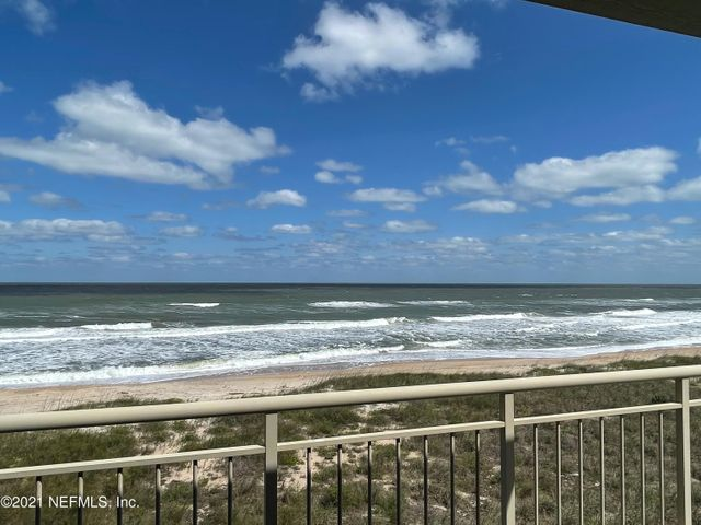 Gorgeous ocean view from your huge porch