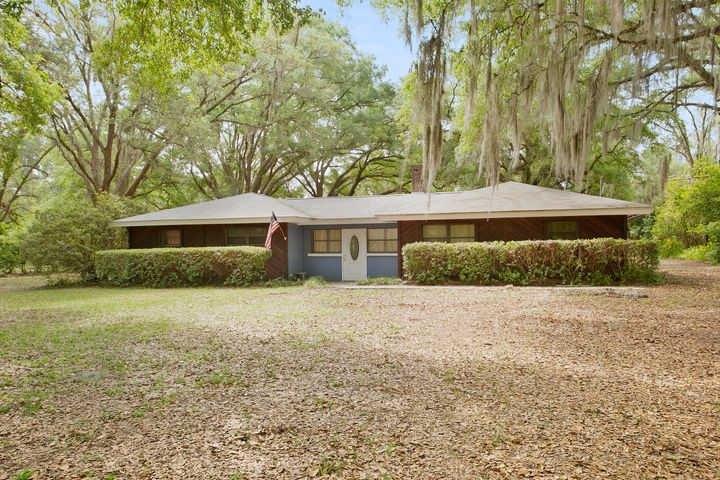 8606 HIPPS RD, JACKSONVILLE, FL 32244
